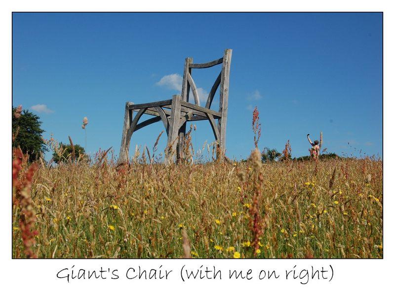2 giants chair